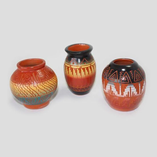 Picture of NAVAJO ETCHED POTTERY 021